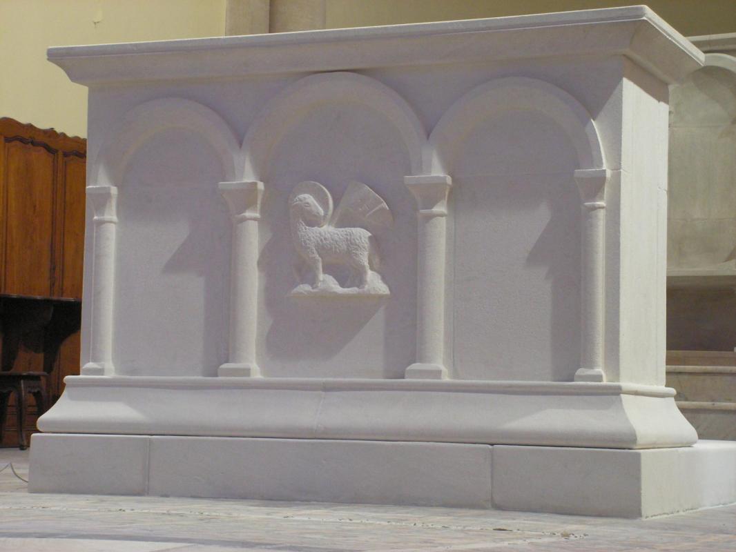 Autel de l eglise st flavien a toulon 46