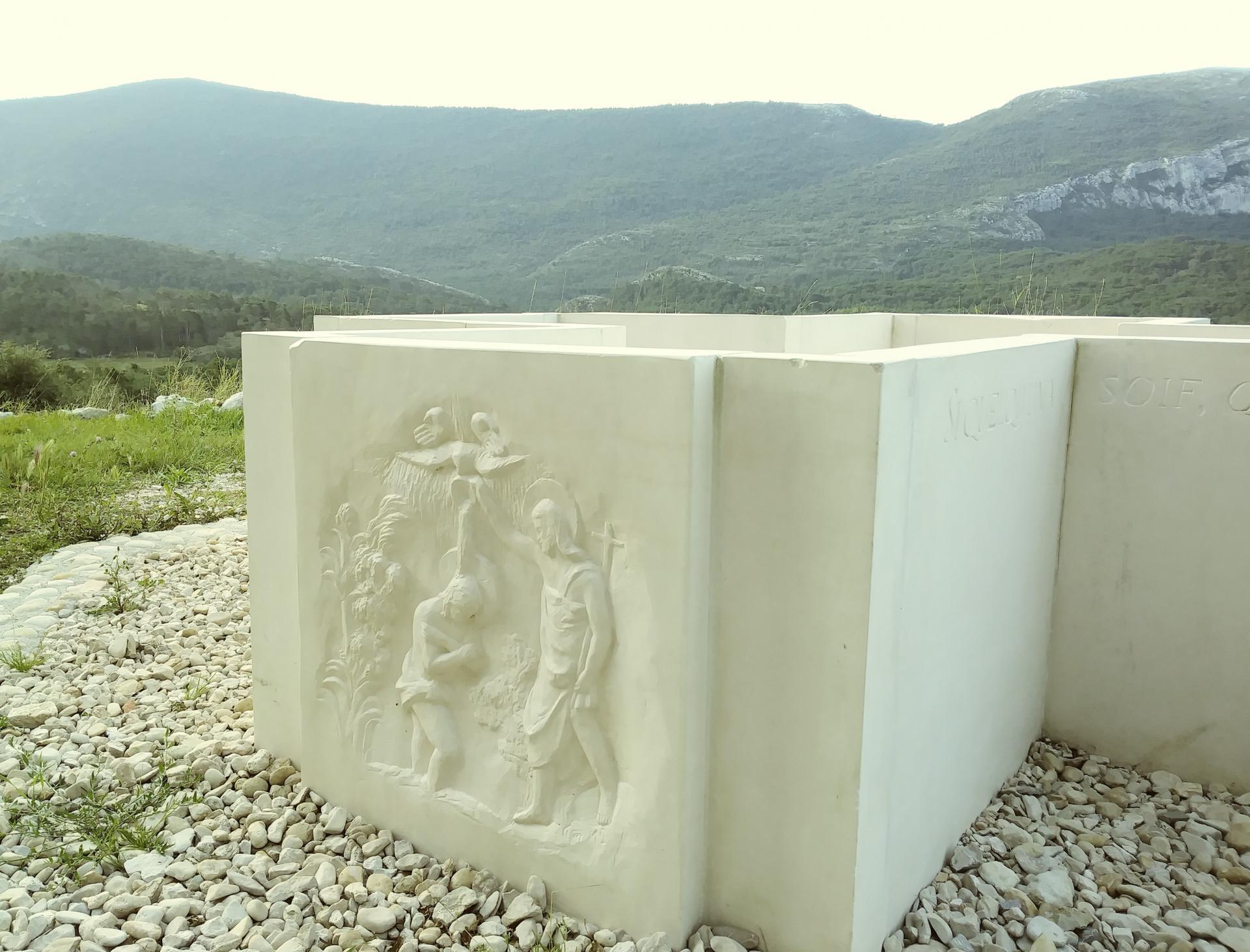 Baptistere pour adulte communaute eucharistein par jean joseph chevalier 3
