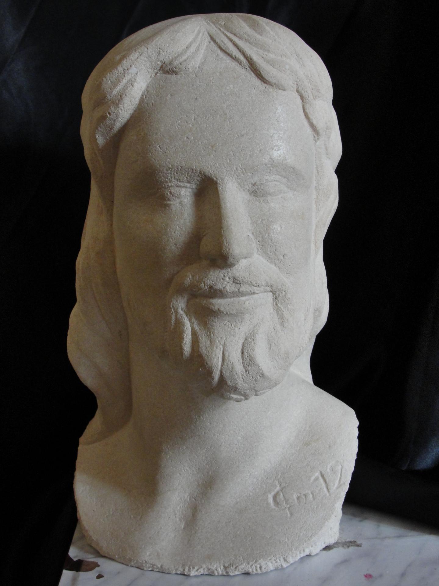 Buste en pierre d un christ 6