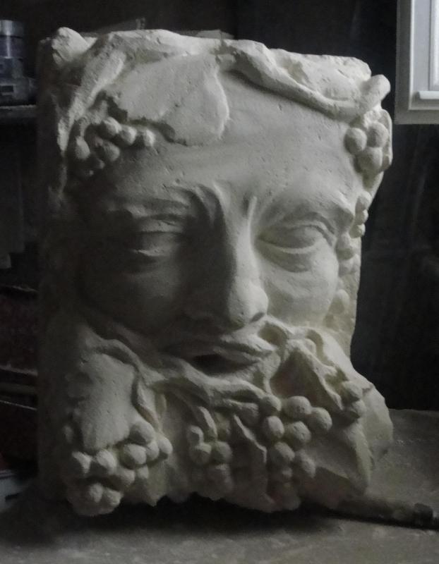 Cracheur en pierre bacchus ou homme vigne 50cm par jean joseph chevalier 18