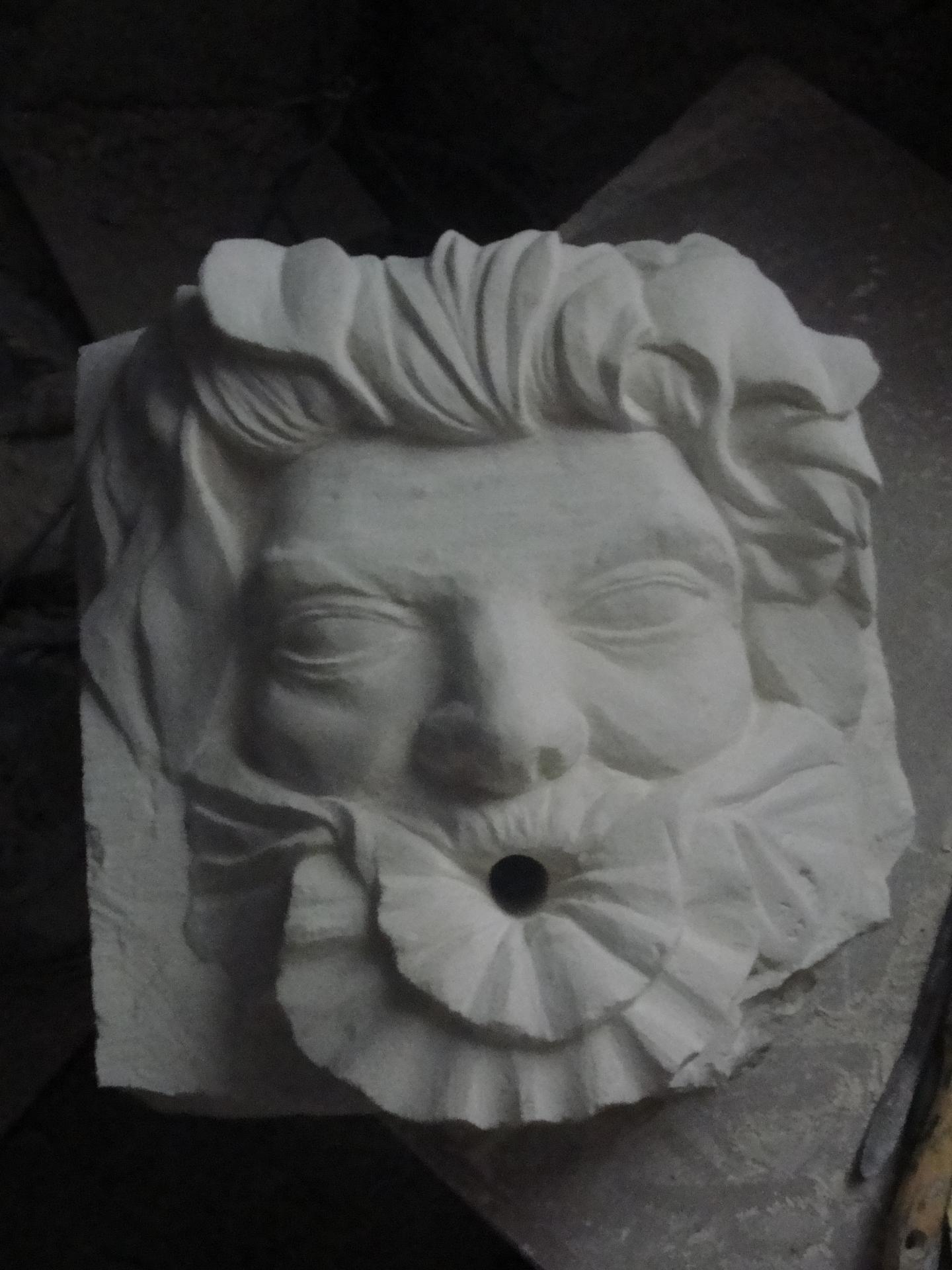 Cracheur en pierre homme coquillage par jean joseph chevalier 6