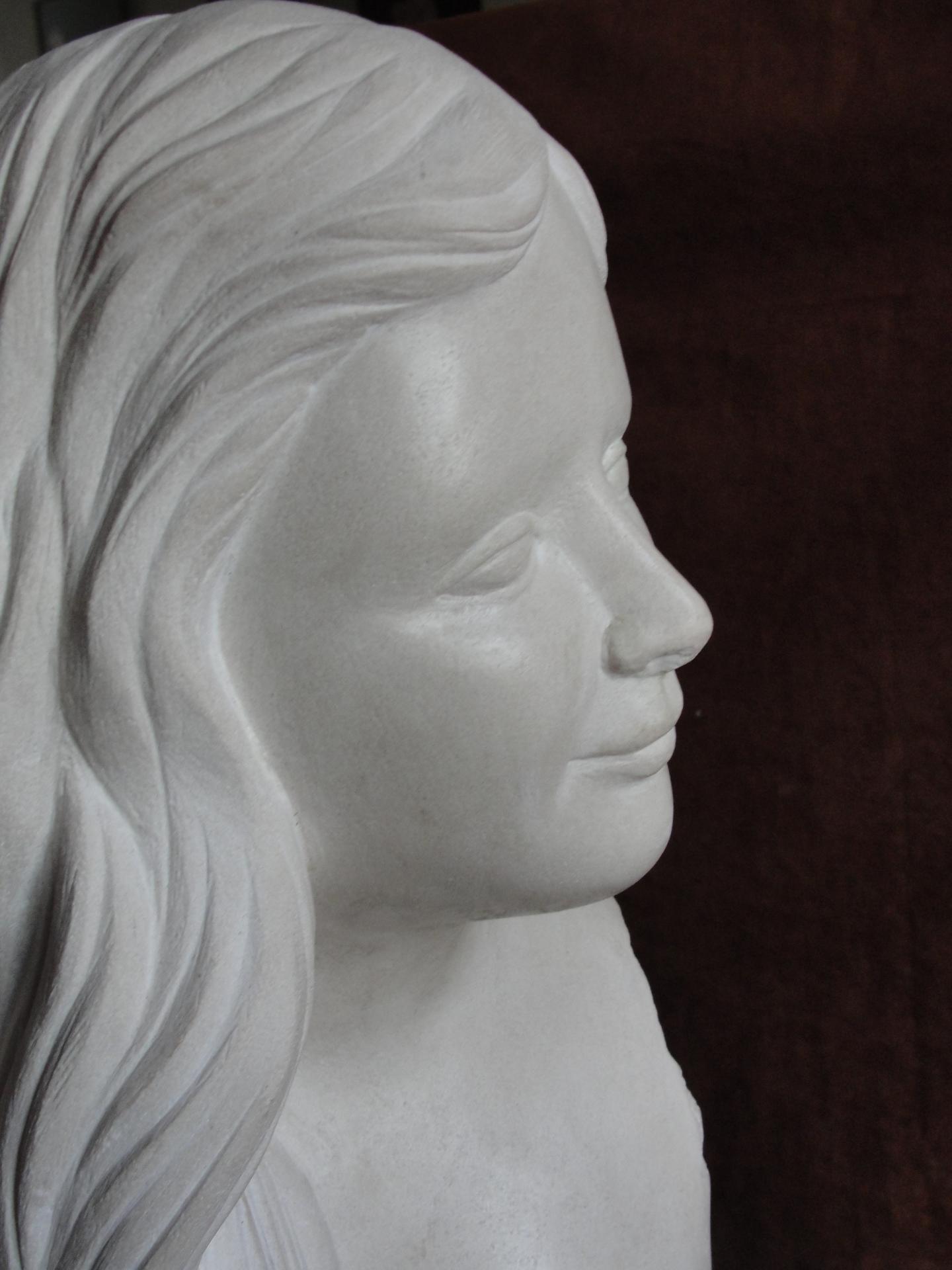 Eve buste en pierre 50cm 5