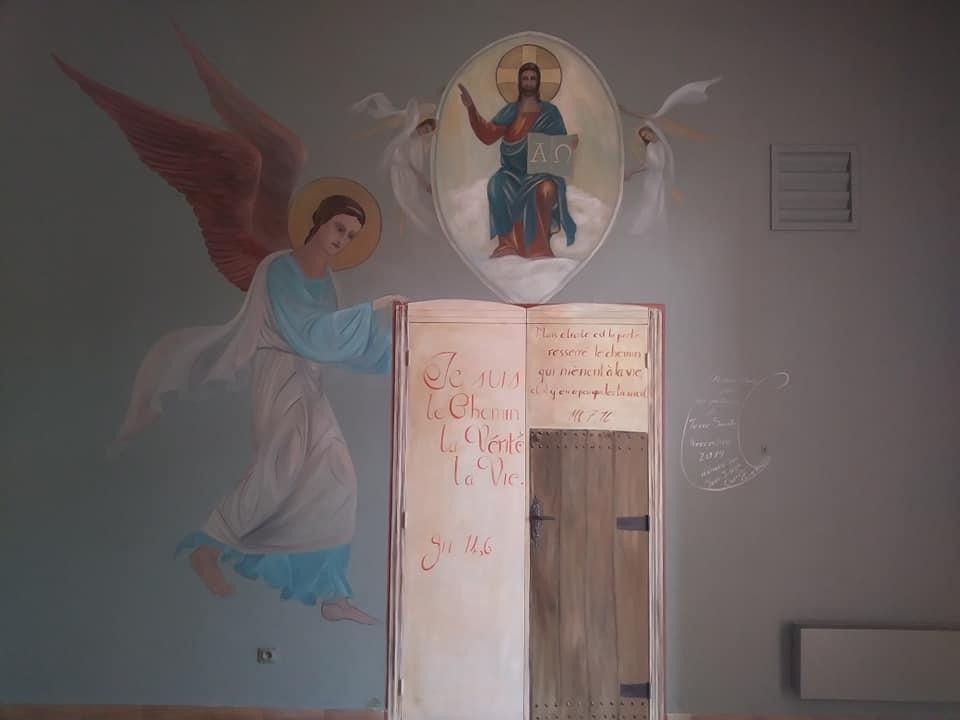 Fresque peinture murale de la ste famille et trompe l oeil de la porte etroite par jean joseph chevalier 3