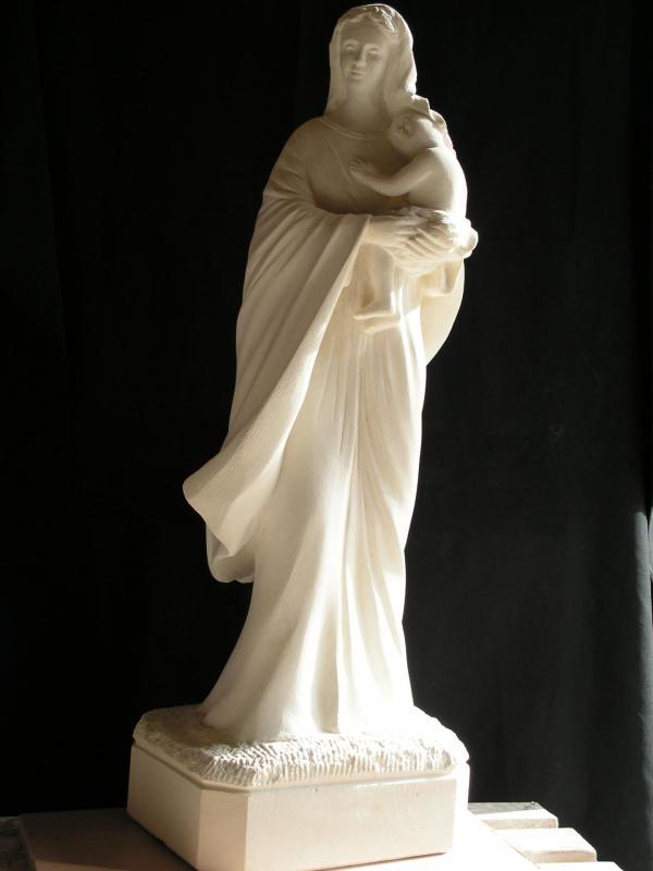 Notre dame du reconfort vierge a l enfant sculpture en pierre ronde bosse 1 2m 4