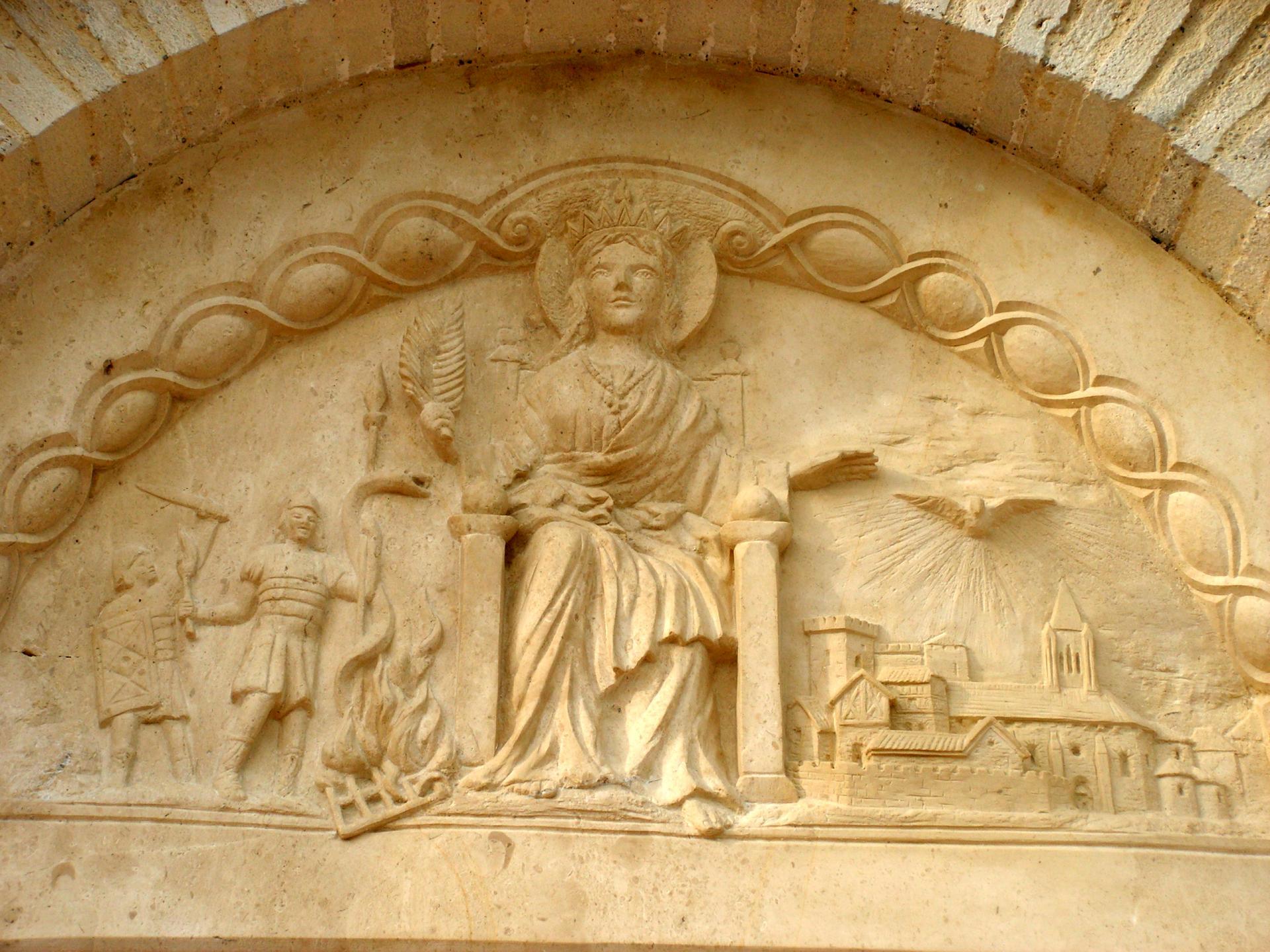 Sculpture sur pierre, tympan de Ste Foy