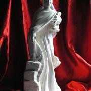 Sculpture religieuse sur pierre de ste philomene