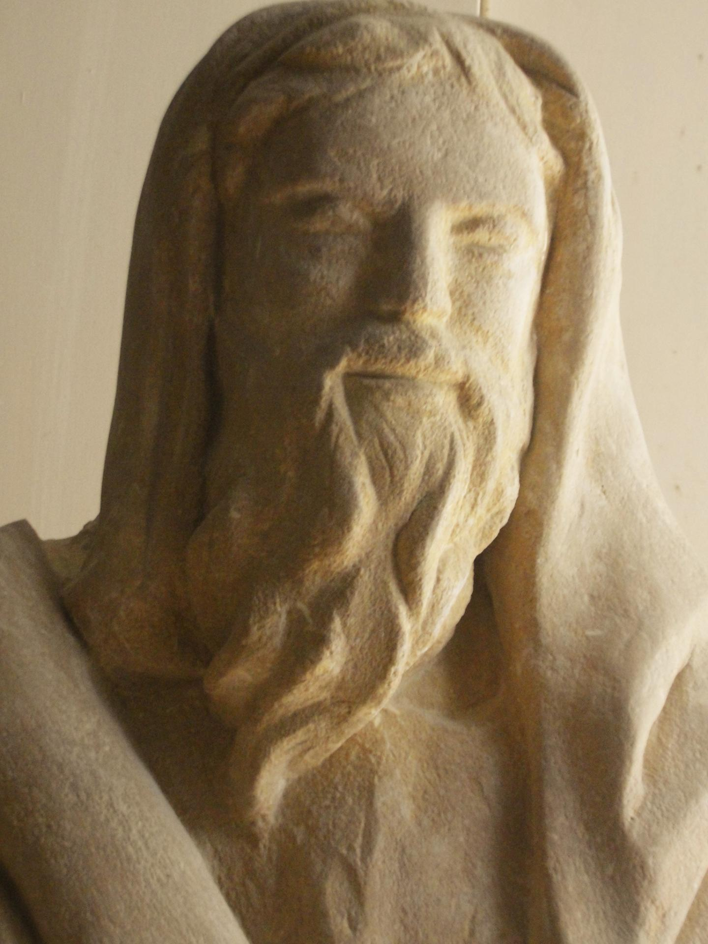 Sculpture sur pierre, ronde bosse, St Matthieu